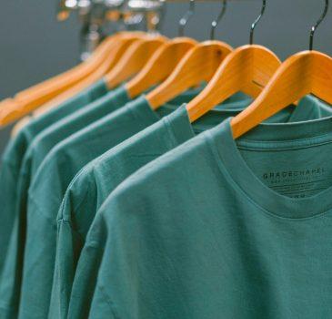 Εταιρείες σε ΗΠΑ και ΕΕ ακύρωσαν παραγγελίες ρούχων 16 δισ. δολάρια την άνοιξη